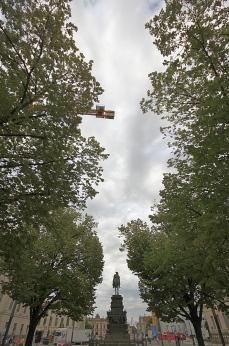 Crane, Unter den Linden