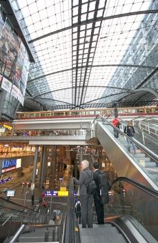 BVG, Berlin Hauptbahnhof, train station, mall