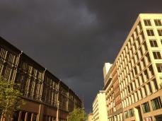 Berlin red sky, Berlin sky, Brandenburg Gate, Unter den Linden, Germany, tourism, weather, sun, rain, storm,